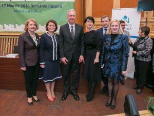 Alexandra Manaila cu Ambasadorul SUA Hans Klemm